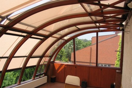 Markizy dachowe Arcada-Plus z giętymi prowadnicami